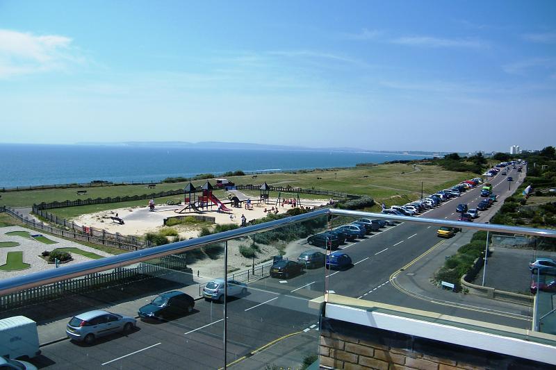 View (Main)