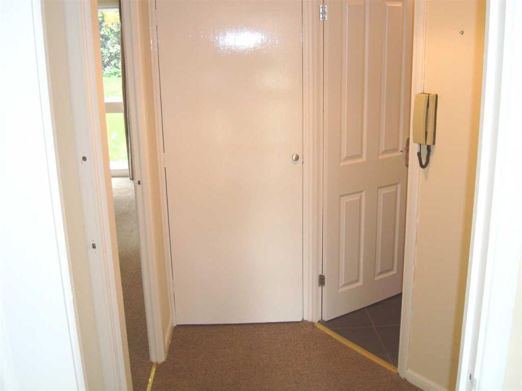 Entrance Hallway 1