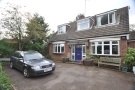 5 bedroom Detached house in Whitehill Road, Hitchin...