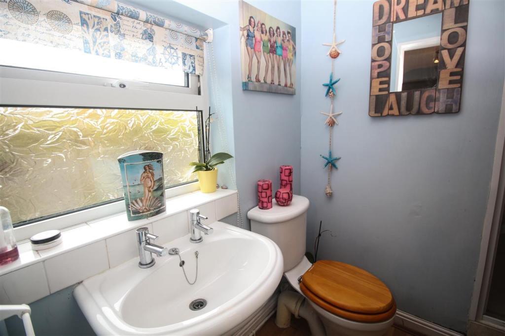 Shower Room/Cloak