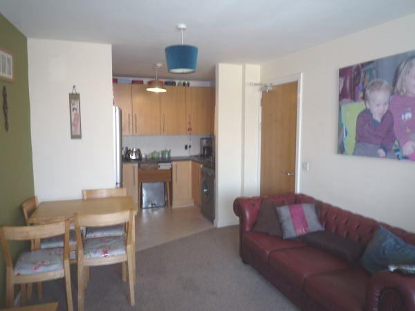 2 Bedroom Apartment To Rent In Aquila House Falcon Drive Cardiff Bay Cf10
