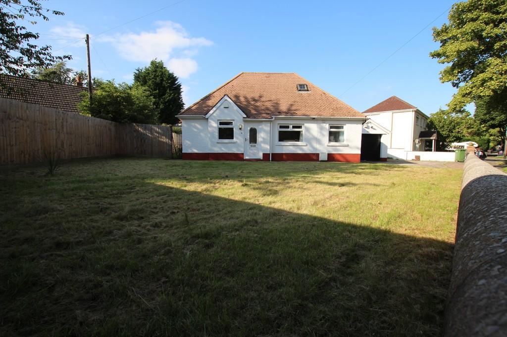 3 Bedroom Detached Bungalow To Rent In Greenway Road Rumney Cardiff Cf3