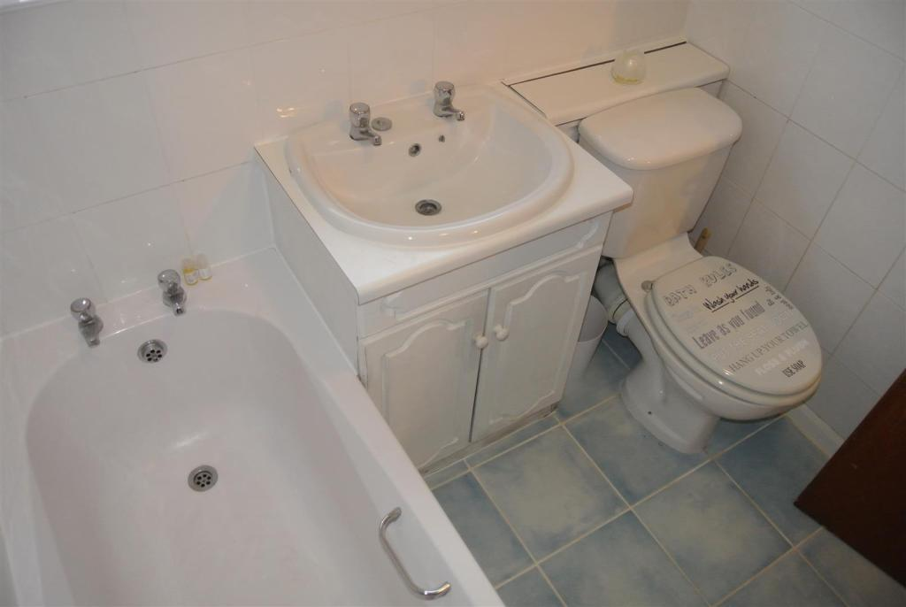 Bathroom#.JPG