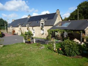 8 bed Character Property for sale in Lizio, Morbihan, Brittany
