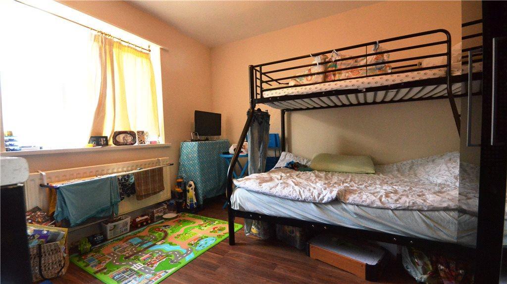 Studio 4 Living/Bed