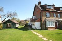 5 bed Detached house to rent in Abinger Lane, Dorking