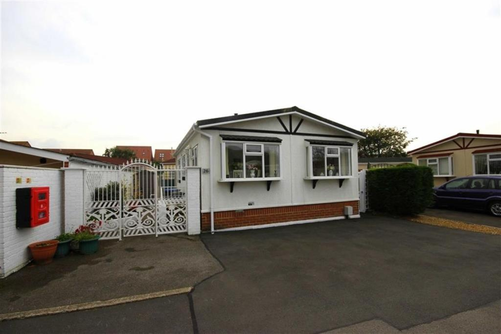 2 Bedroom Mobile Home For Sale In Low Carrs Park Framwellgate Moor Durham Dh1