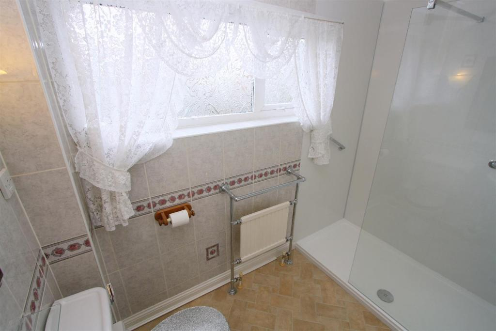 Shower Room/ W.C