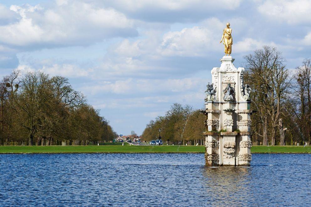 Diana Fountain in Bu