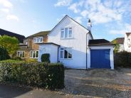 4 bed Detached home in Field Way...