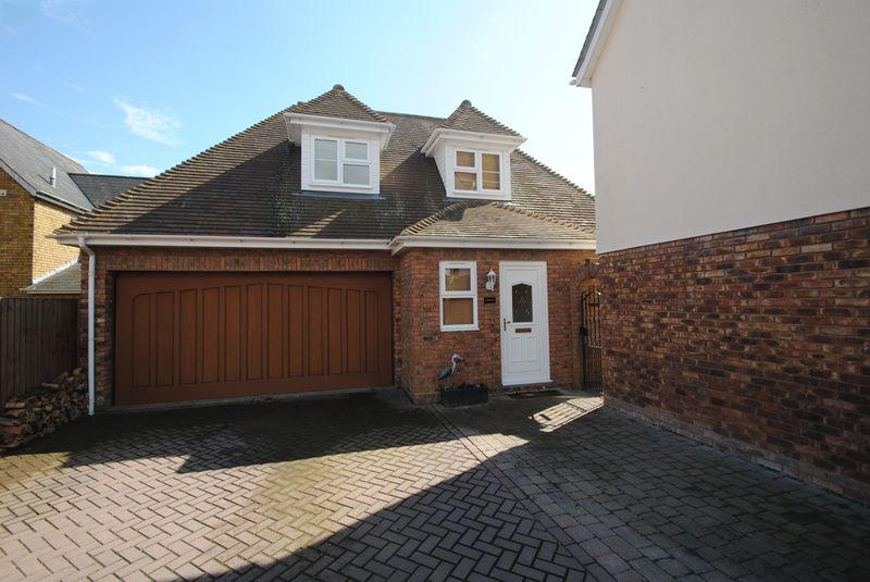 5 bedroom detached house for sale in plus a two bedroom for Annexe garage
