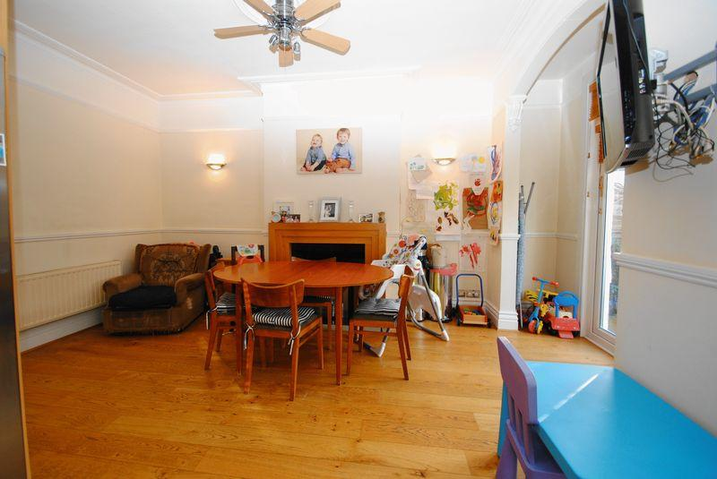 4 bedroom semi detached house for sale in leigh hall road for The dining room leigh