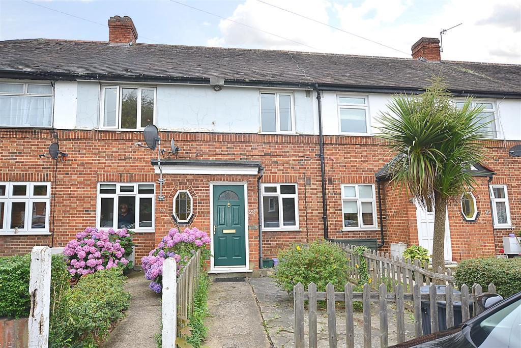2 Bedroom Apartment To Rent In Errol Gardens New Malden Kt3 Kt3