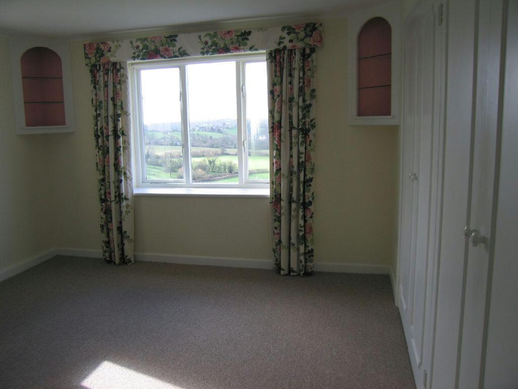 Bedroom 1/Sitting Ro