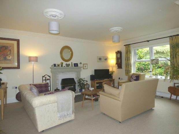 Living Room Photo.