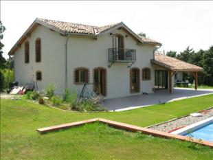 6 bedroom house in Midi-Pyrenees...
