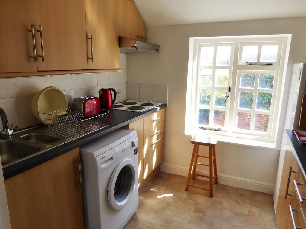 Cottage 4 - Kitchen