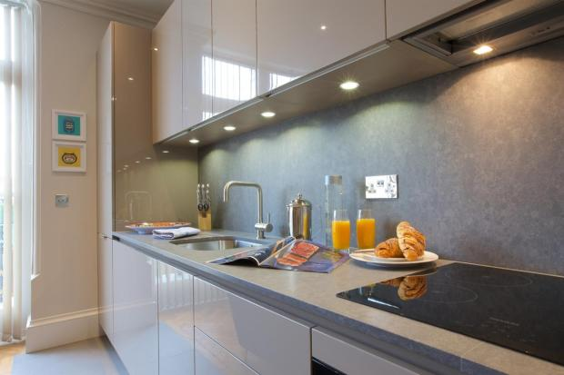 bedroom apartment to rent in Queens Club Apartments, 101 Comeragh ...