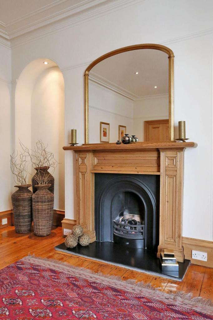 Lounge Feature Fireplace