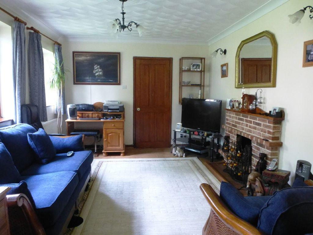 4 Bedroom Chalet For Sale In Staithe Road Bungay Suffolk