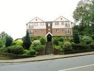 2 bedroom Flat to rent in BUSHEY, WD19