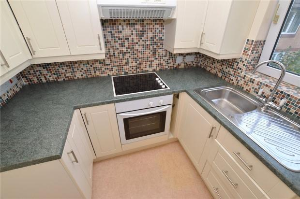 2 Bedroom Flat For Sale In Hometeign House Salisbury Road Newton Abbot Dev