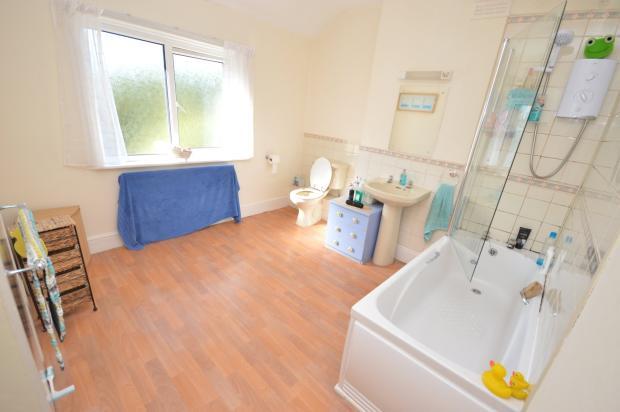 Lodge (Bathroom)