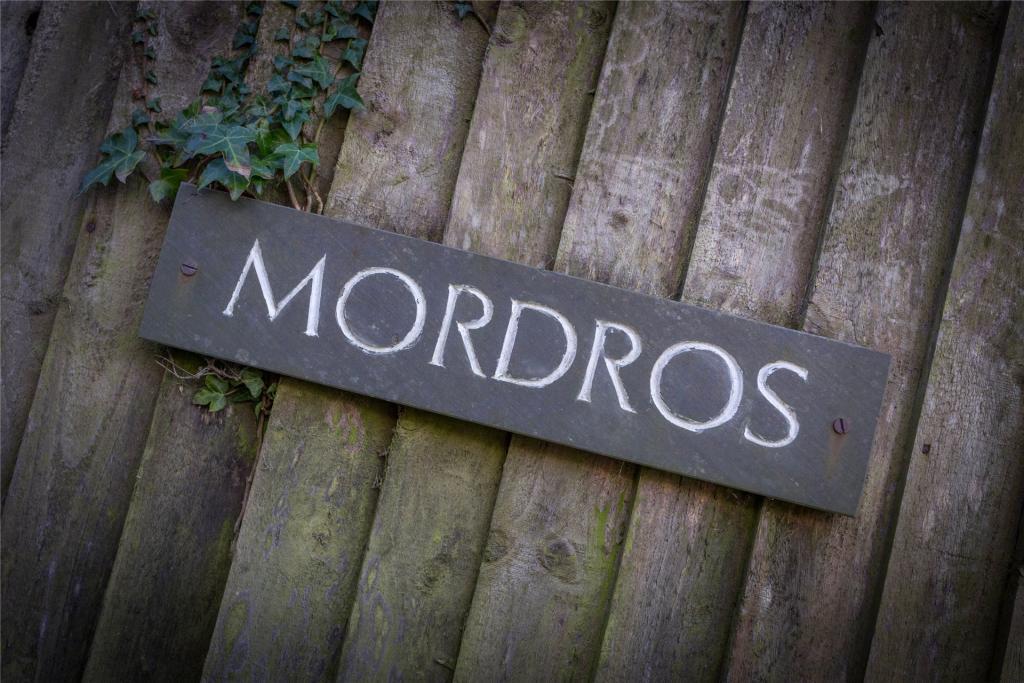 Mordros