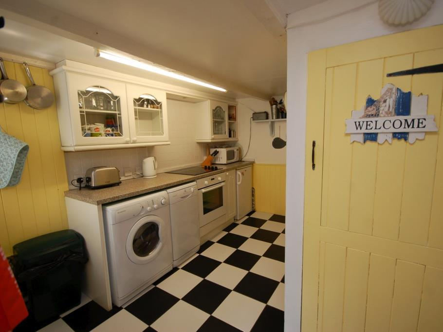 3 Bedroom Terraced House For Sale In Court Cocking St