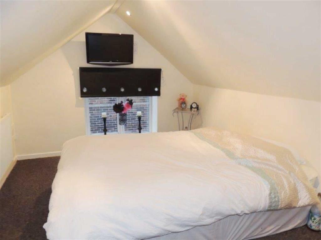 Bedroom One /Loft Ro