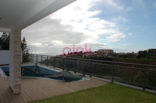 Caniço house for sale