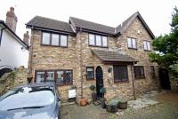4 bed Detached house in Halfway Street, Sidcup...