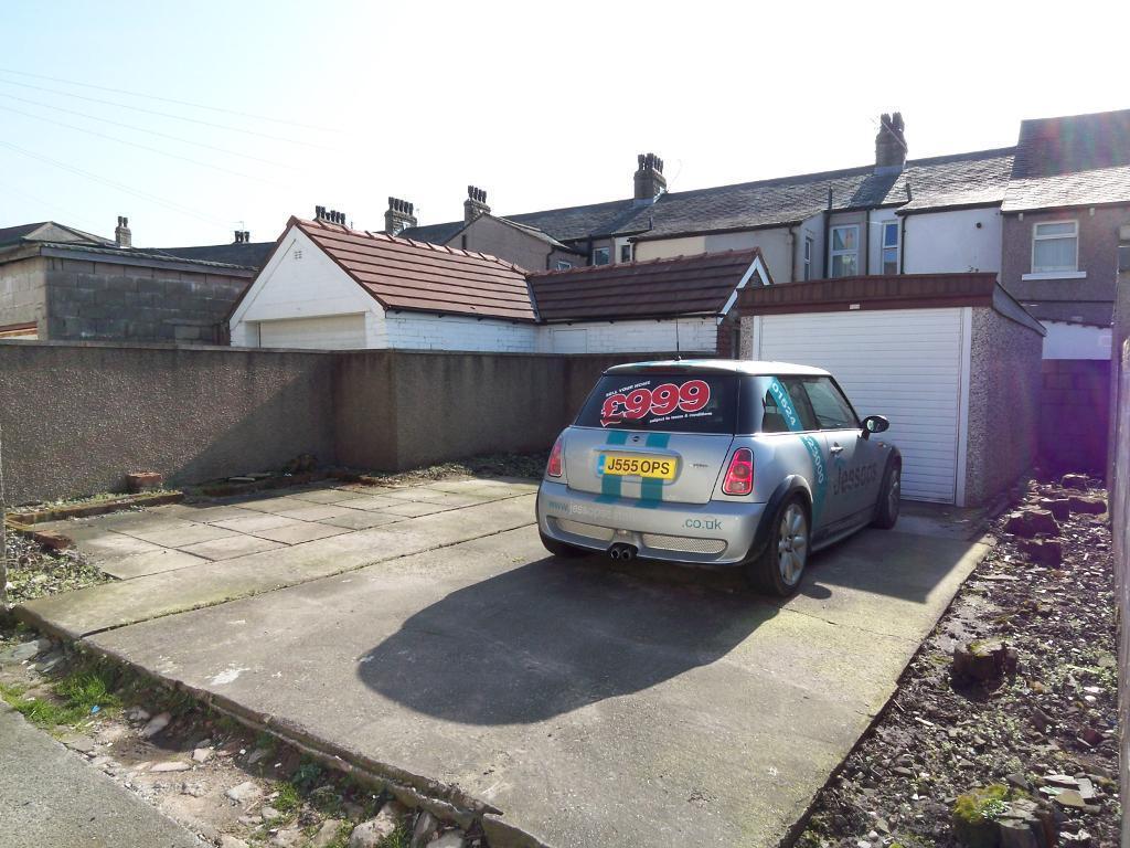 Garage to rear & parking