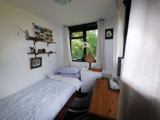 Bedroom/Garden...