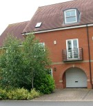 Town House to rent in Sterling Place...