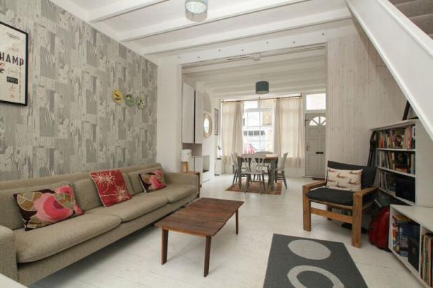 mortimer- living area a