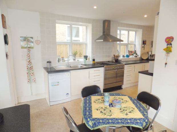 St Georges Terrace - Kitchen