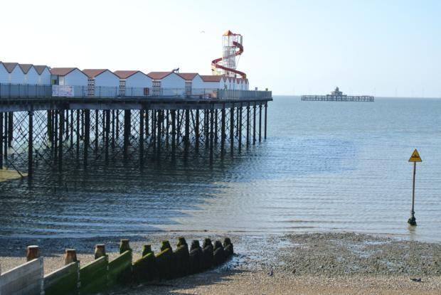 HB-Seafront-pier