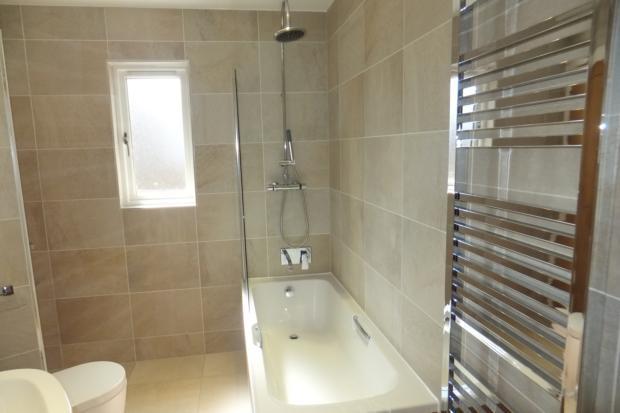 VictoriaMews-bathroom3