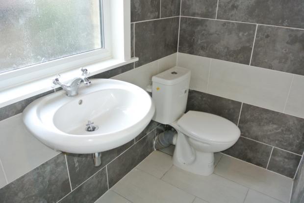 HighStreet - bathroom1b