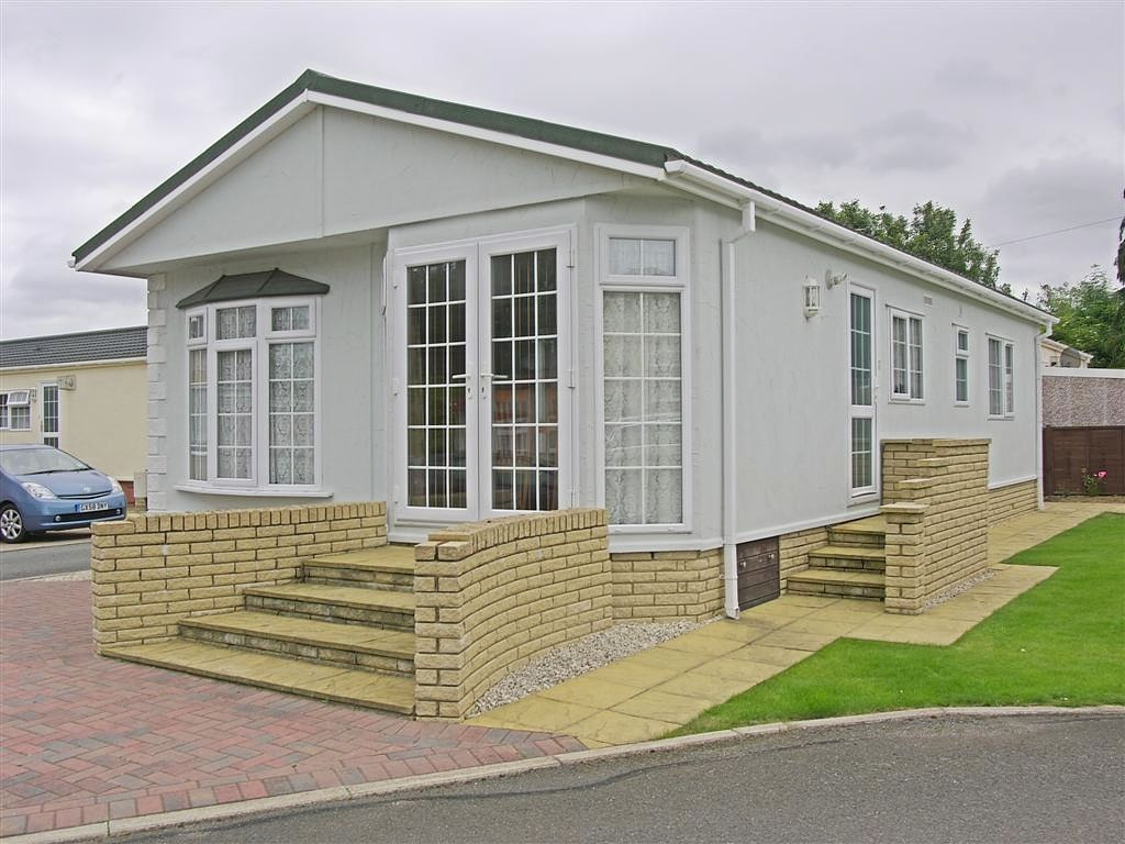 2 Bedroom Mobile Home For Sale In Hailsham East Sussex Bn27