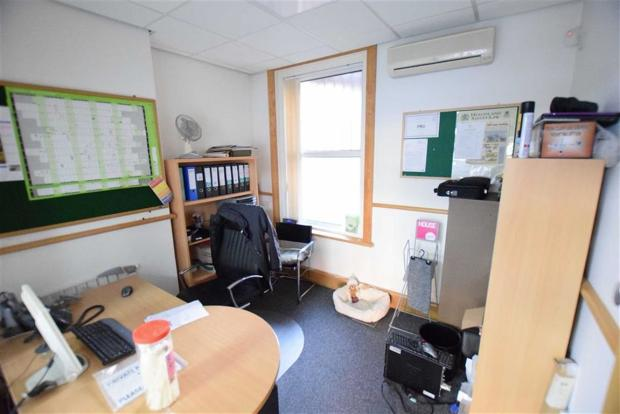 PARTITIONED OFFICE O