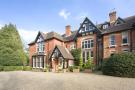 2 bedroom house to rent in Virginia Water, Surrey