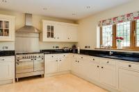 6 bed Detached home for sale in Rowlands Castle...