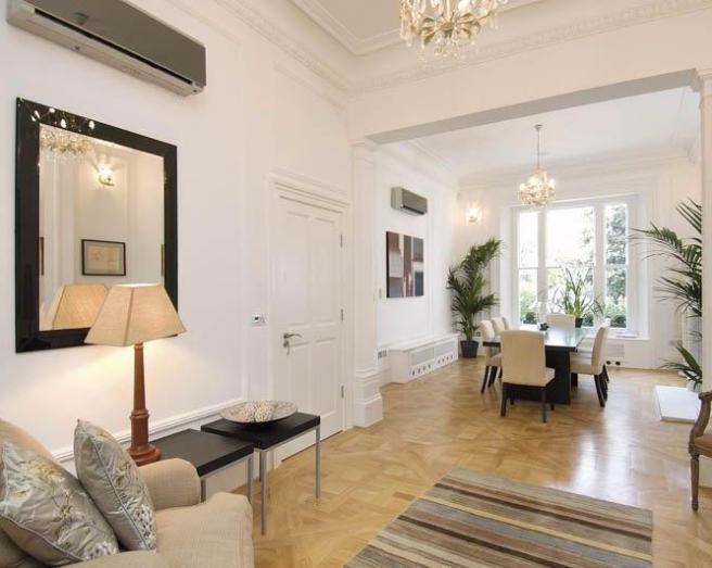 Classic Beige Living Room Design Ideas Photos
