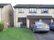 4 bed semi detached home to rent in Moorfield Road...