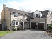 5 bedroom Detached home in Merlinwood Drive, Baildon