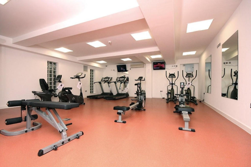 free gym for tenants