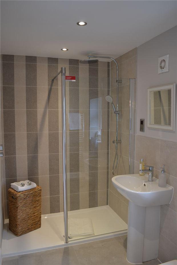 En Suite to Master Bedroom Show Home