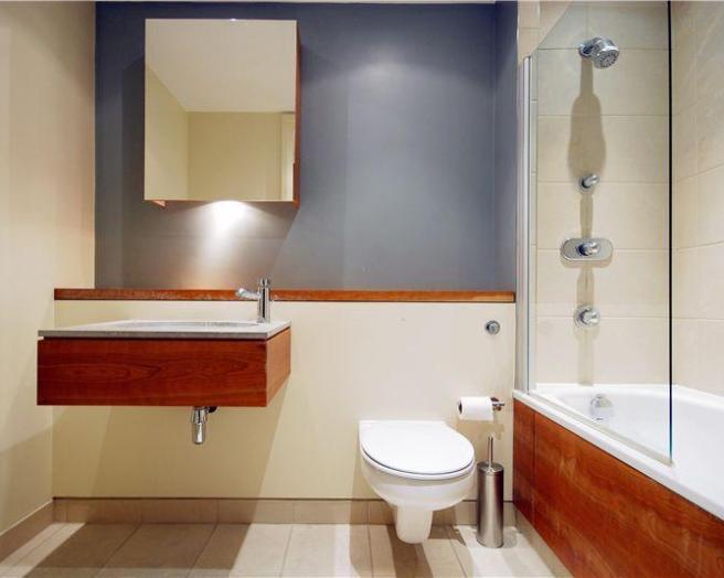 Shower over bath design ideas photos inspiration for Bathroom ideas rightmove
